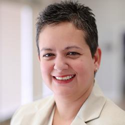 Dr. Luz Senan